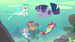 Twilight and the CMC transform into seaponies S8E6.png