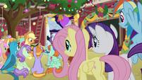 Applejack's friends watch her telling stories BGES3