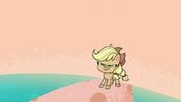 Applejack wearing her original hat PLS1E3b