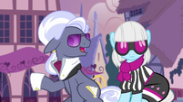 Hoity Toity -I need to get some of these- S7E9