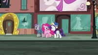 """Pinkie """"by picking a different location every year!"""" S6E3"""
