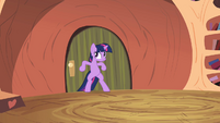 Twilight trying to stop Spike S02E10