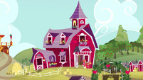 Big McIntosh and Apple Bloom looking into the barn S5E11