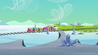 Friendship Express heading for Crystal Empire S6E16