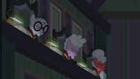 Left side of EEA council nodding their heads S8E1