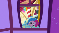 Pinkie crying at her bedroom window S8E18