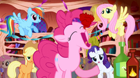 Pinkie swallowing cupcake in one bite S1E1
