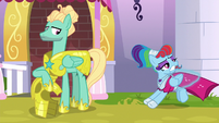 Rainbow shoved in Zephyr's direction S9E4