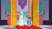 S01E26 Celestia i Twilight przerażone wyglądem sali balowej