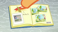 Scootaloo pastes Baby Rainbow pictures in her scrapbook S7E7