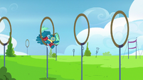 Sky Stinger bounces clumsily from ring to ring S6E24
