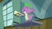 """Spike """"if you can't stand the heat"""" S7E3"""