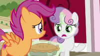 "Sweetie Belle ""we'll never find Big Mac"" S9E23"