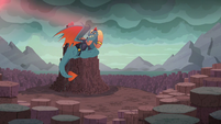 Torch sees the glow of the bloodstone scepter S6E5