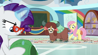 Yona keeps practicing with Fluttershy S9E7