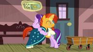 S07E24 Starlight i Sunburst przytulają się na powitanie