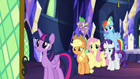 Twilight's friends confused about 'Swanifying' S9E13