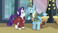 Wind Rider says that Juniper Phoenix is a very popular fragrance S5E15