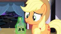 Bottle of tonic levitated onto Applejack's hoof S4E20