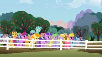 Lyra Heartstrings jumping S02E15