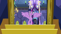 Twilight addresses the arguing ponies S7E14