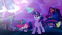 Twilight worried about Princess Luna S5E13