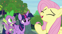 """Fluttershy """"can't think of a single bad thing"""" S9E26"""