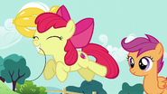 S05E19 Apple Bloom zabiera swój balonik