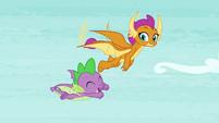Smolder and Spike flying together S8E24