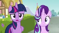 "Twilight Sparkle ""oh, poor Rarity"" S7E14"