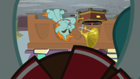 Upside-down view of Snips S9E15