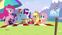 Pinkie Pie 'I can't wait another minute' S3E7