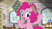 Pinkie Pie juggling baking supplies S8E3