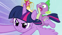 Spike on Twilight's back S4E01