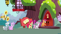 """Sweetie """"Twilight takes this time out"""" S4E15"""