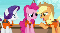 "Applejack ""I just wanted to give you two"" S6E22"