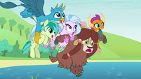 Friendship students go flying together S8E1