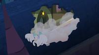 Princess Celestia escaping through roof S4E02