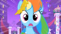 Rainbow Dash sees Soarin's falling pie S1E26
