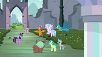 """Spike """"who's gonna give us the tour?"""" S9E3"""