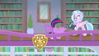 Twilight falls over during her freakout MLPS4
