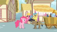 S02E18 Pinkie rozmawia z Crankym