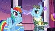 S05E15 Podekscytowana Rainbow z Wind Riderem