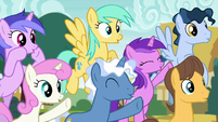 Spectating ponies cheering loudly S6E14