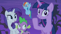 Twilight whispering to her friends S4E07