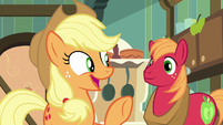 "Applejack ""we can ask Goldie Delicious!"" S7E13"