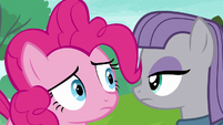 Pinkie Pie looking at Rarity behind Maud S6E3