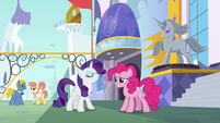Rarity knows just where to go S6E12