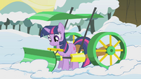 Twilight jumps behind a snowplow S1E11