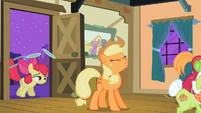 Applejack 'Yee-haa, little sis!' S2E06